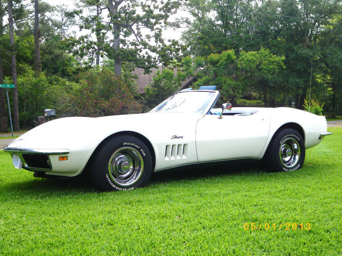 very nice 69 corvette stingray convertible cam am whitechevy bright blue interior can am white head rests matching auxillary top black convertible top - Corvette Stingray 1969 White